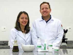 Adriane Franco Camilo de Carvalho  desenvolveram cinco produtos que já estão patenteados pela UFV